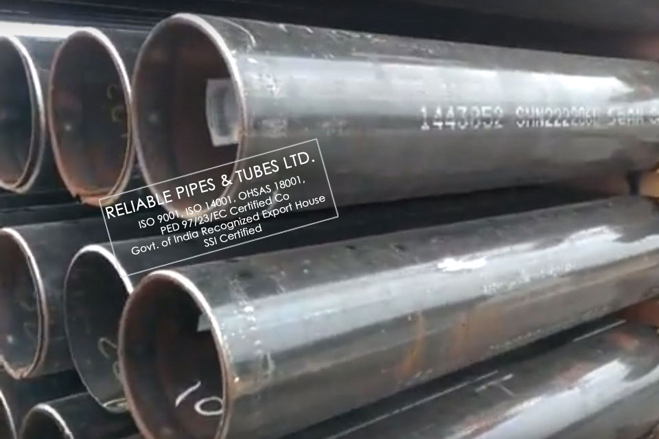 ASTM A672 Grade C60/C65/C70 EFW Pipes & Tubes supplied to Oil & Gas Industry